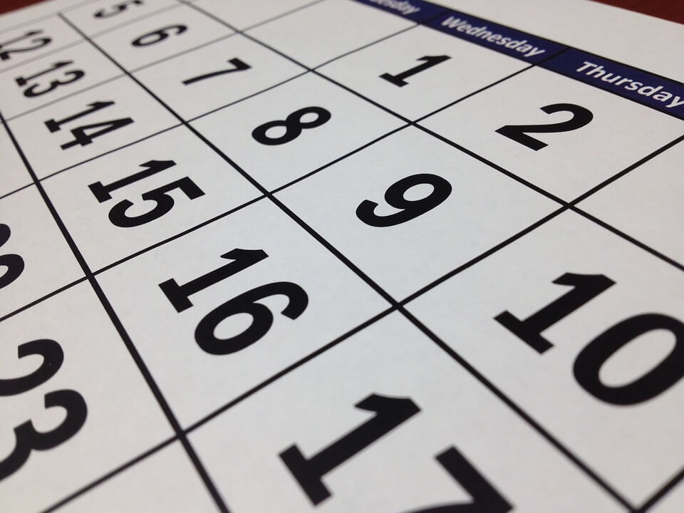 Image of a calendar stressing how important it is for employers to give proper notice before changing employee pay in WV.