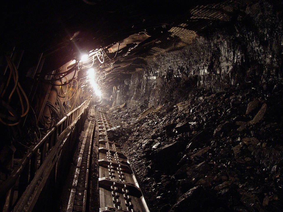 Image of a coal mine shaft, representing how Mac Heslep at Jenkins Fenstermaker, PLLC helps coal operators and insurers navigate the black lung claim process.